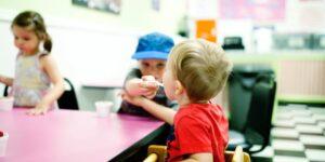 monitor-a-de-comedor-escolar